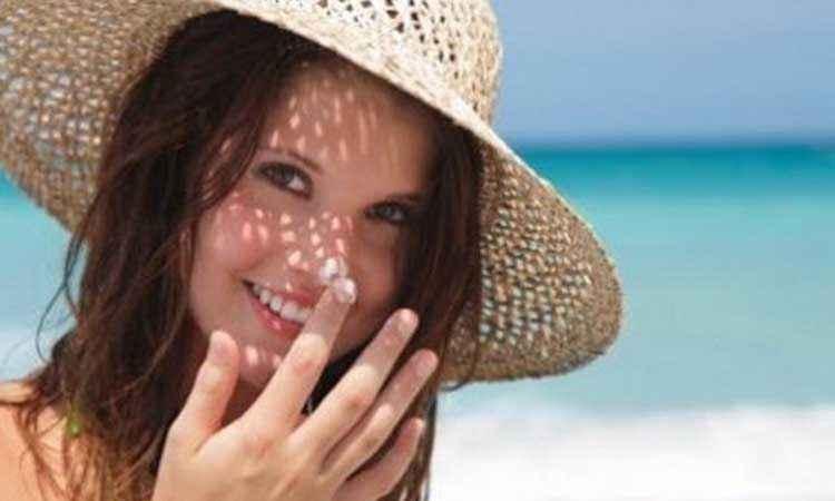 Φροντίστε τα μαλλιά σας το καλοκαίρι