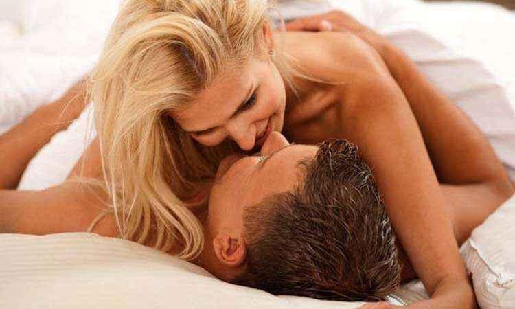 Καλύτερο το σεξ όταν ο άντρας βγάζει λιγότερα