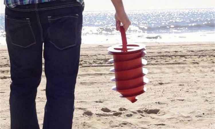 Ένα αξεσουάρ παραλίας που θα σας σώσει από τους κλέφτες!