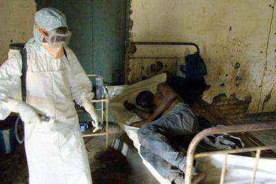 Ανεξέλεγκτη η εξάπλωση του ιού Έμπολα στην Αφρική