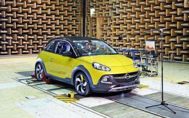 Δοκιμές ήχου στο Opel Adam Rocks