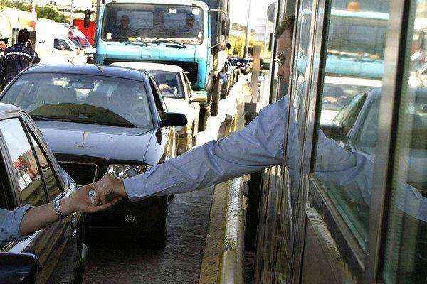 Ηλεκτρονικά θα… τσιμπάνε όσους δεν πληρώνουν διόδια στην Κορίνθου-Τρίπολης-Καλαμάτας