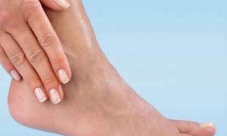 Θαυματουργή θεραπεία για βελούδινες φτέρνες