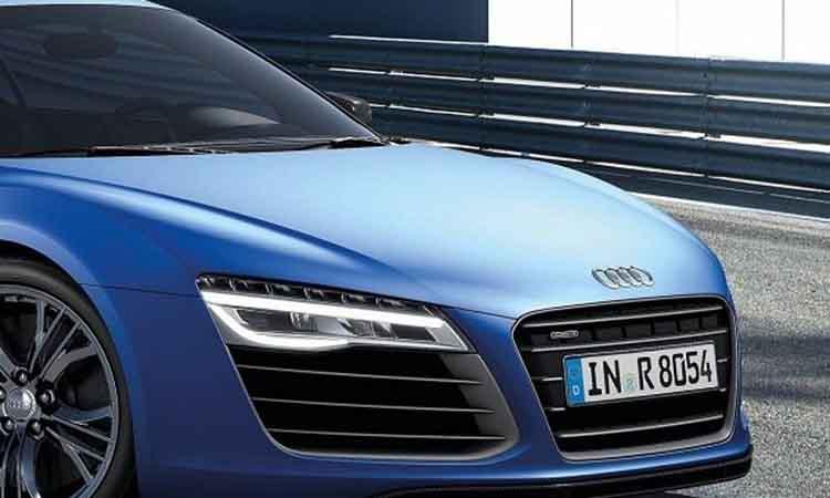 Με τρεις κινητήρες το νέο Audi R8