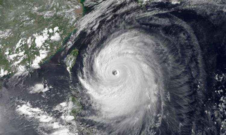 Ο τυφώνας Νεογκούρι απομακρύνει 590.000 άνθρωπους από τις εστίες τους