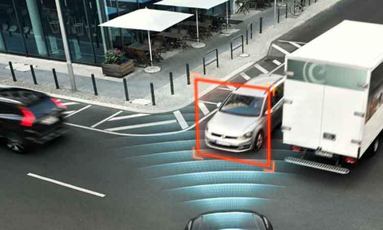 Παγκόσμιες πρωτιές στον τομέα της ασφάλειας για τη Volvo