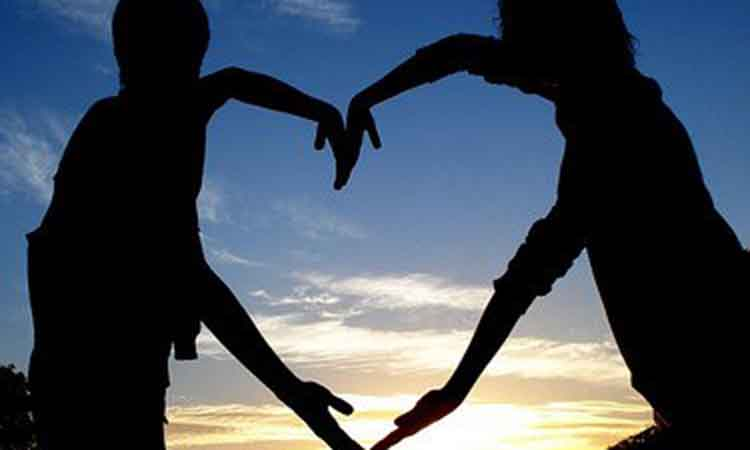 Τα περίεργα χαρακτηριστικά που συνοδεύουν τους ερωτευμένους