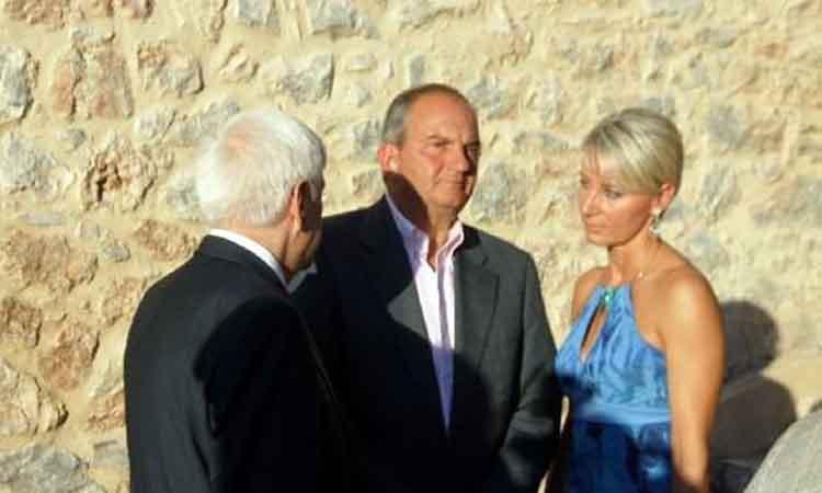 Το ζεύγος Καραμανλή στο γάμο του υιού Παυλόπουλου