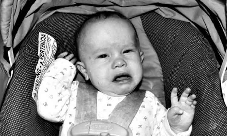Το μωρό μου κλαίει στο αυτοκίνητο. Τι να κάνω;