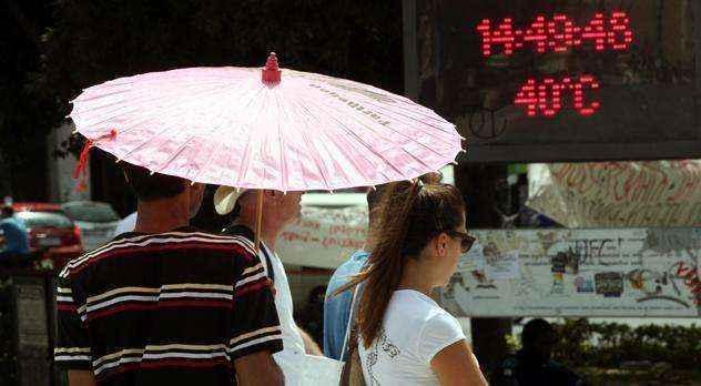 Έκτακτα μέτρα λόγω καύσωνα σε Αθήνα-Πειραιά