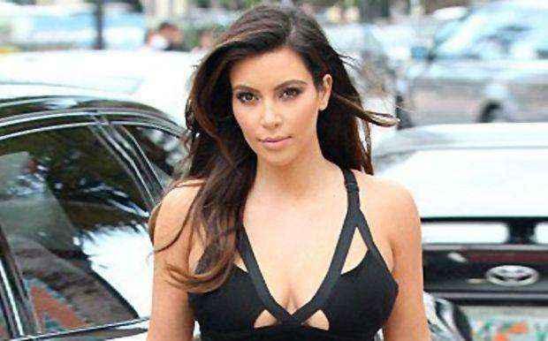 Έρωτα με τα οπίσθιά της έχει η Kim Kardashian