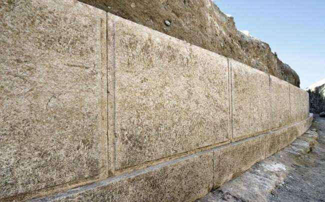 Αμφίπολη: Κοσμοσυρροή για το μυστικό του τάφου