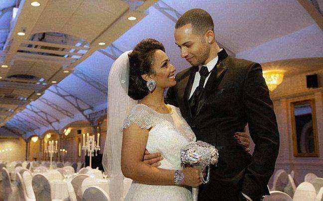 Γνωρίστηκαν σε φωτογράφιση γάμου και παντρεύονται