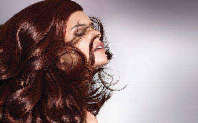 Καλοκαιρινές συμβουλές φροντίδας για βαμμένα μαλλιά
