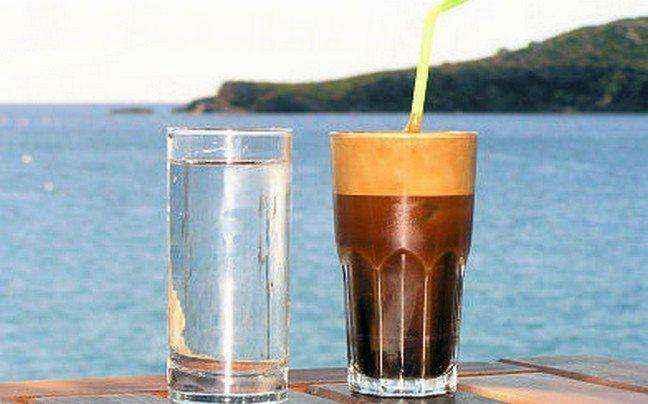 Κρύος καφές για ενυδάτωση