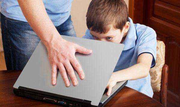 Ο δεκάλογος με τις χρήσιμες οδηγίες προστασίας των παιδιών στο διαδίκτυο!