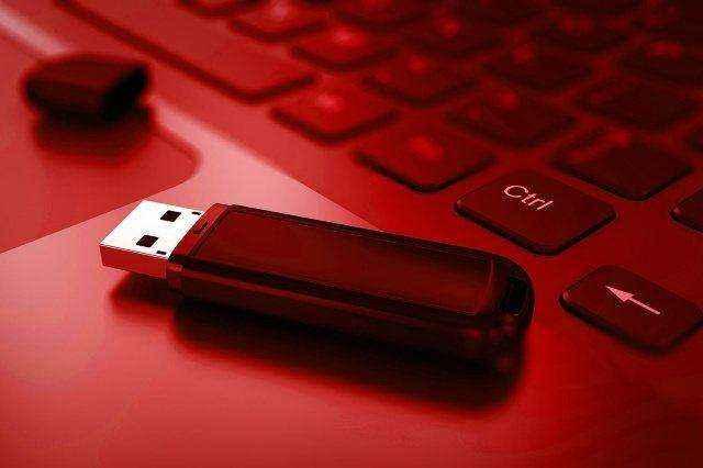 Ο ιός «BadUSB» στρέφει τις συσκευές USB εναντίον μας