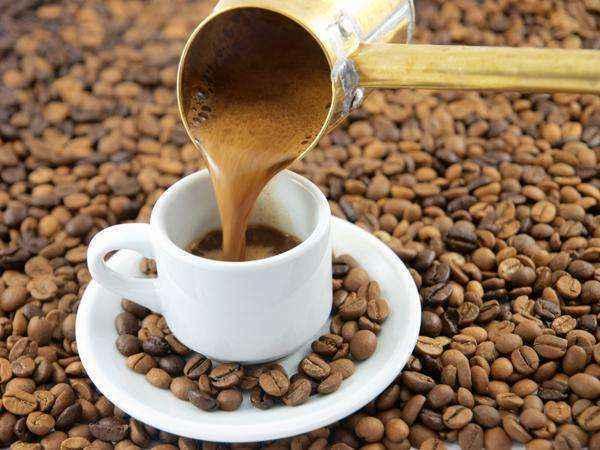 Ο καφές ως… αποσμητικό για το ψυγείο σας