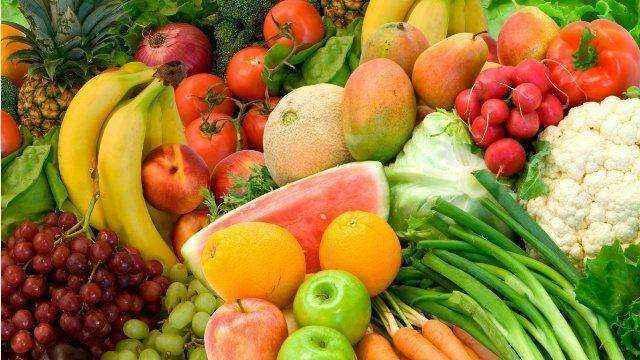 Πόσες μερίδες φρούτα και λαχανικά πρέπει να τρώμε τη μέρα
