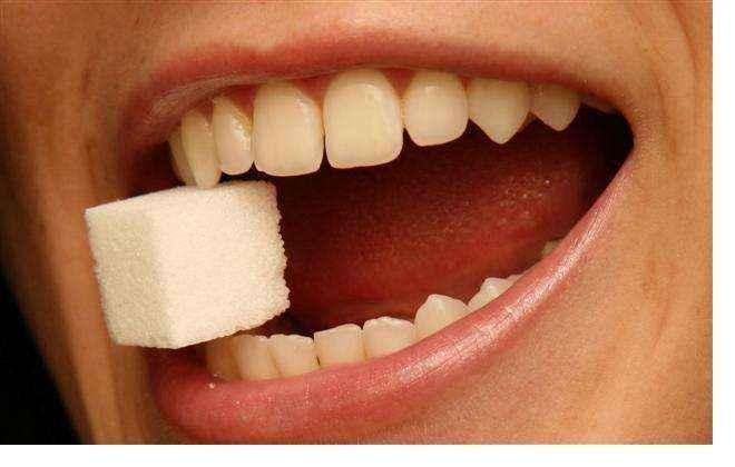 Πώς συνδέεται η άνοια με τη ζάχαρη