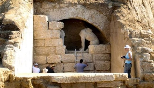 Σκεπάστηκαν οι Σφίγγες στην Αρχαία Αμφίπολη