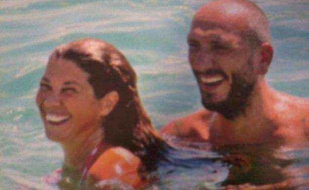 Σοφία Αλιμπέρτη: Παιχνίδια στη θάλασσα με τον σύντροφο της