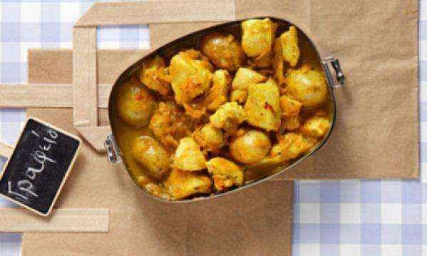 Συνταγή για φανταστικό κοτόπουλο µε πατάτες και κρόκο Κοζάνης στην κατσαρόλα