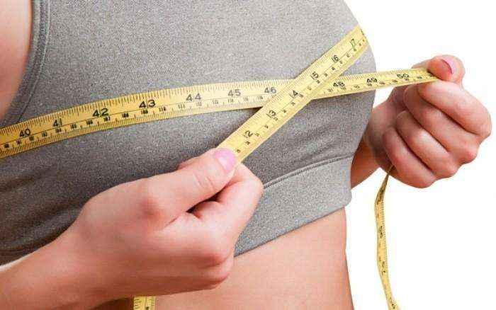 Τα δύο τραγικά λάθη στη διατροφή που μικραίνουν το στήθος