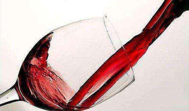Το κρασί κάνει την καρδιά να χτυπά σαν «τρελή»