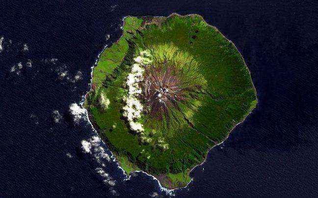 Το νησί που βρίσκεται κυριολεκτικά στη μέση του πουθενά