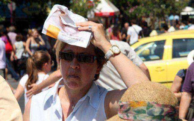 Eκτακτα μέτρα από τον δήμο Πειραιά για τον καύσωνα