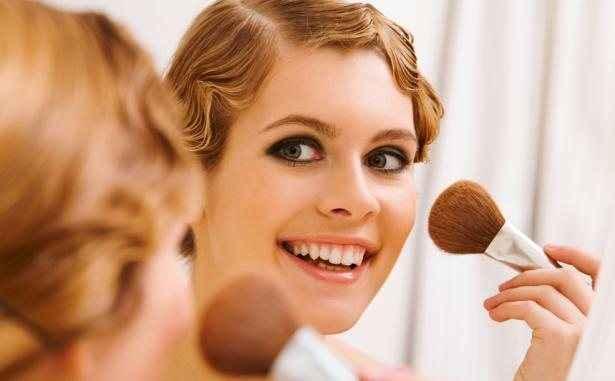 «Κόψτε» κιλά με το σωστό μακιγιάζ