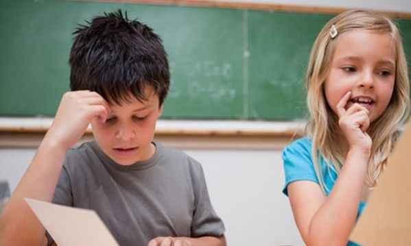 Αγόρια - Κορίτσια: Ποιος δυσκολεύεται περισσότερο στην Α' δημοτικού;