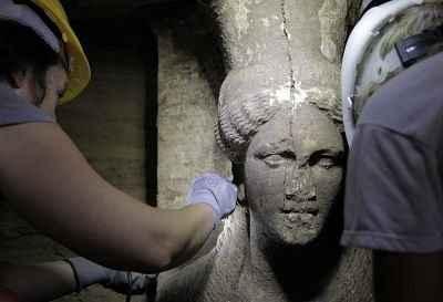 Ανακαλύφτηκε η είσοδος του τρίτου θαλάμου στην Αμφίπολη