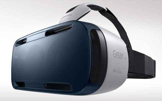Βλέποντας μέσα από μια συσκευή εικονικής πραγματικότητας
