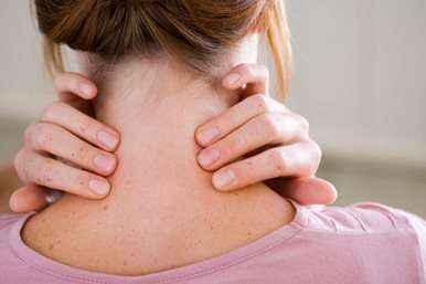 Για να διώξετε τον πόνο από τον αυχένα