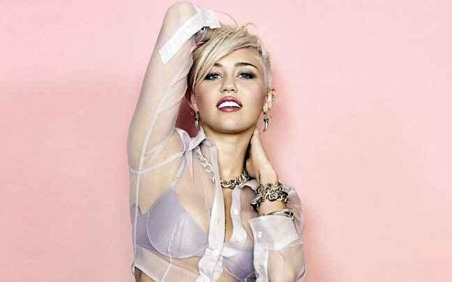 Γυμνή κάτω από το ντους η Miley Cyrus