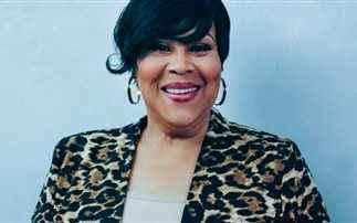Η πιο διάσημη άγνωστη τραγουδίστρια των '90s