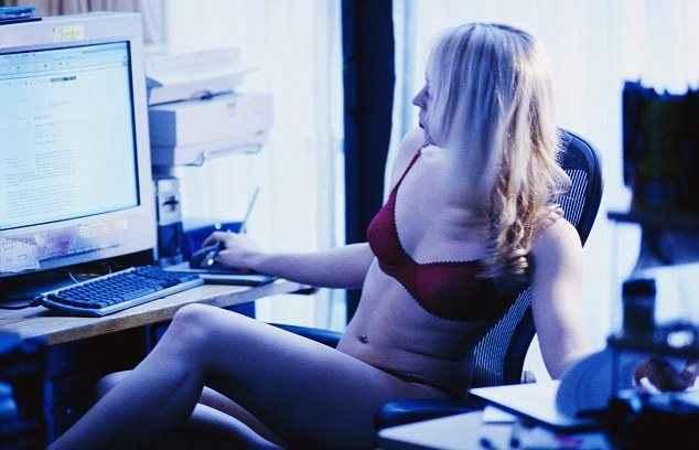 Η τεχνολογία «διώχνει» το σεξ