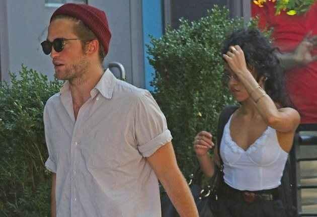 Θύμα ρατσισμού έπεσε το νέο κορίτσι του Robert Pattinson