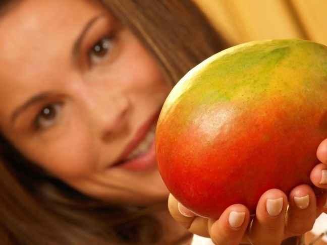 Μάσκα με μάνγκο και ροδόνερο για ευαίσθητο δέρμα