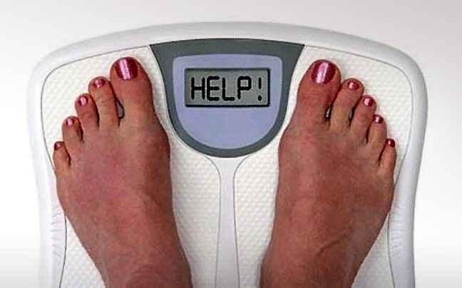 Οι ενοχές για τα κιλά μάς κάνουν να τρώμε πιο πολύ
