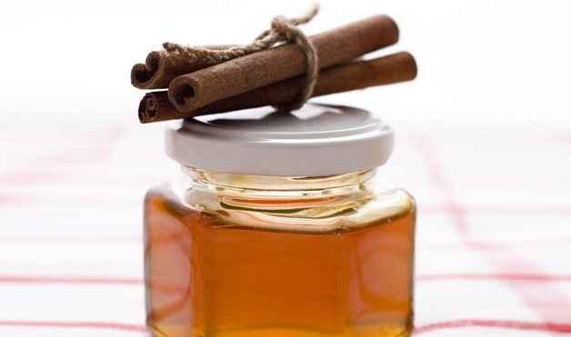 Πείτε αντίο στις ρυτίδες με μέλι και κανέλα
