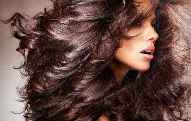 Σπιτικές θεραπείες για ξηρά μαλλιά