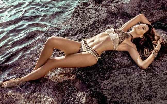 Τα ατελείωτα πόδια της Izabel Goulart