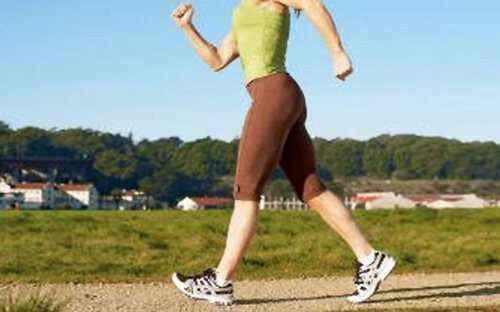 Το περπάτημα μειώνει στο μισό τον κίνδυνο θανάτου
