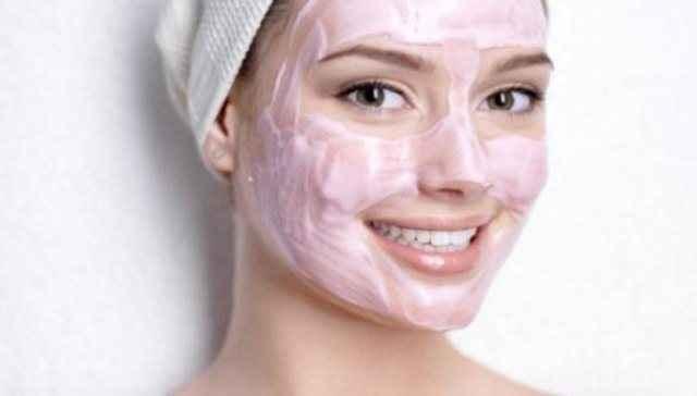 Φυσική μάσκα για τον καθαρισμό του προσώπου