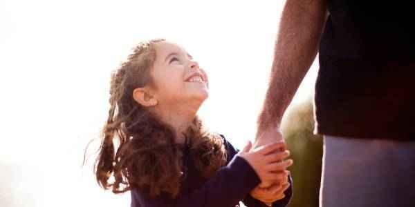 9 μαθήματα που πρέπει κάθε μπαμπάς να διδάξει στην κόρη του