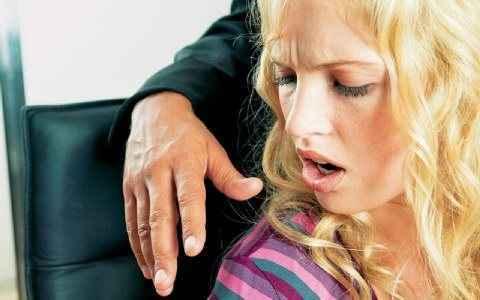 Αθέατα μένουν τα περιστατικά σεξουαλικής παρενόχλησης στον εργασιακά χώρο