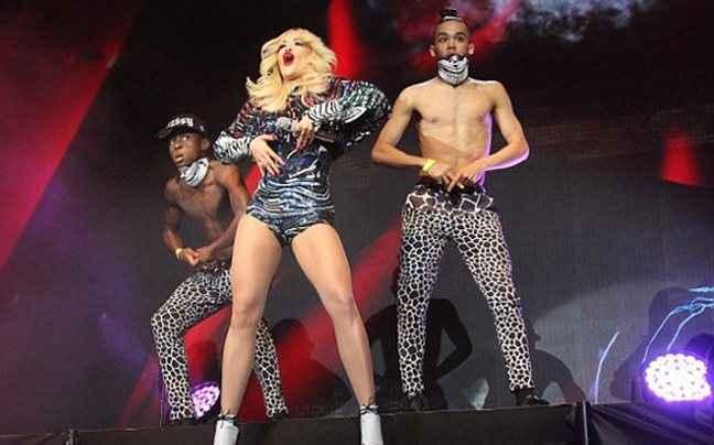 Η Rita Ora ξεσήκωσε τη Μόσχα